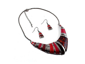 Red Vintage Acrylic Stone Collar Necklace & Earring Set